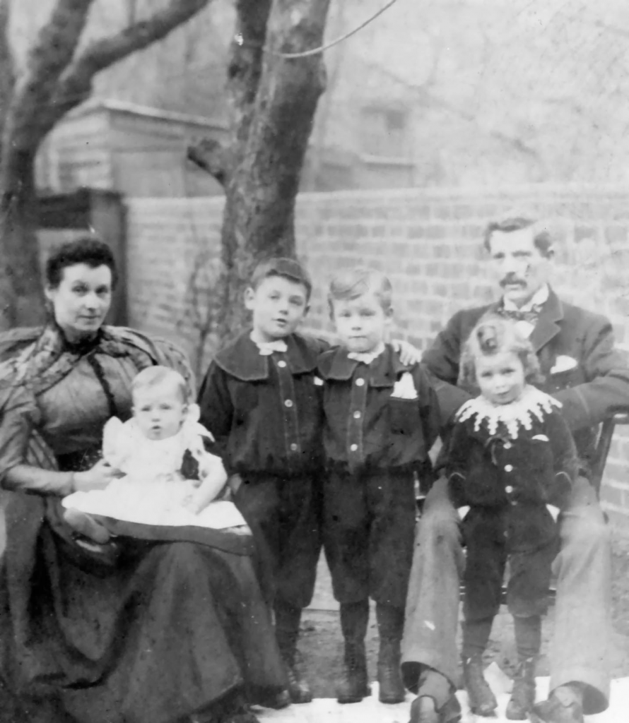 victor-and-howard-pyne-with-family